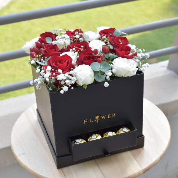 Love and Kisses -  Flower Delivery - Flower Station Dubai