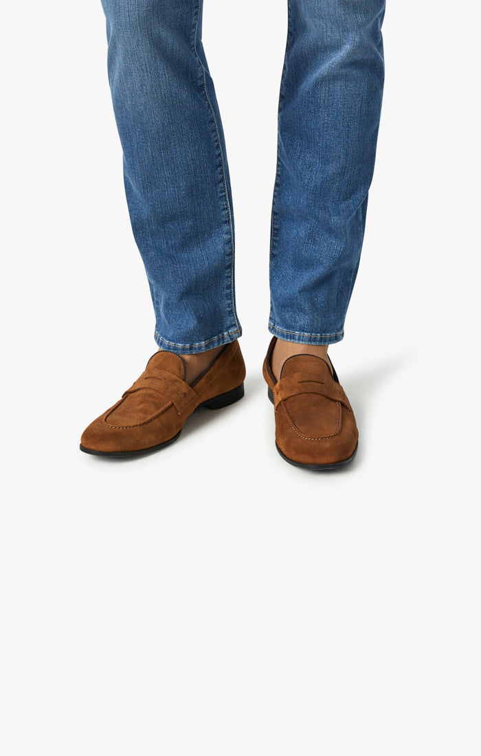 Charisma Relaxed Straight Jeans In Mid Soft Image 6