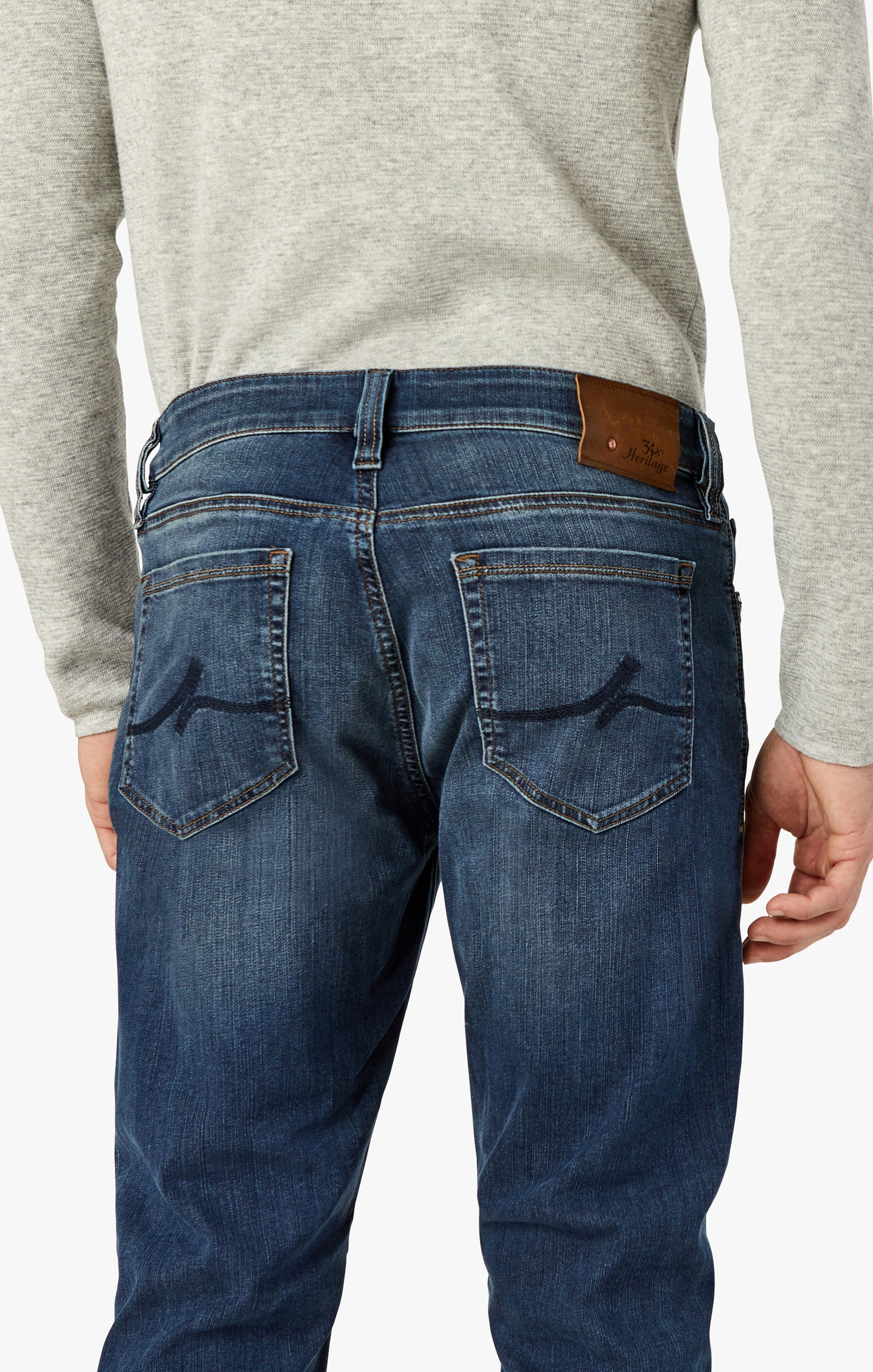Courage Straight Leg Jeans In Mid Vintage Image 2
