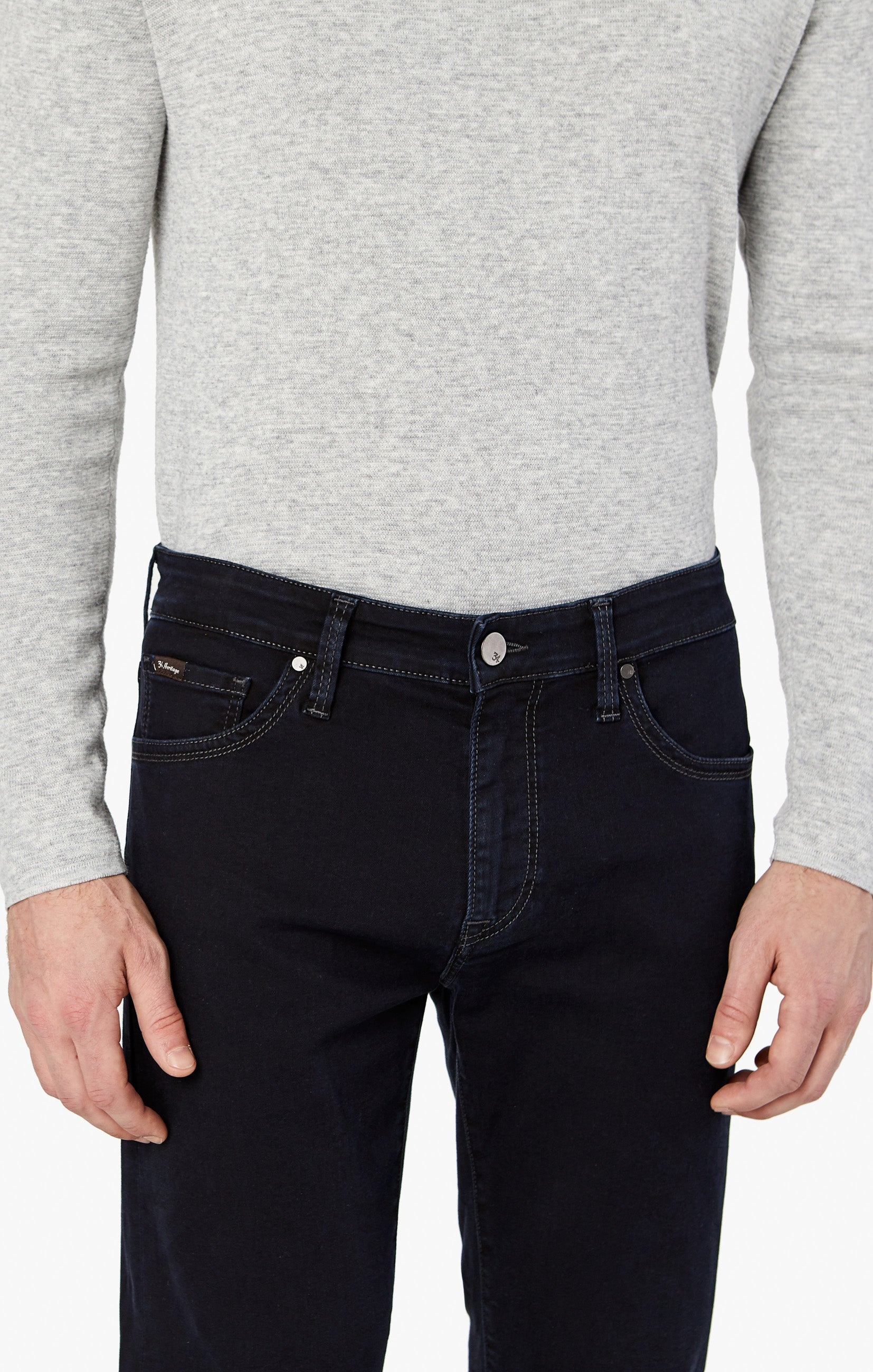 Courage Straight Leg Jeans in Rinse Austin Image 8