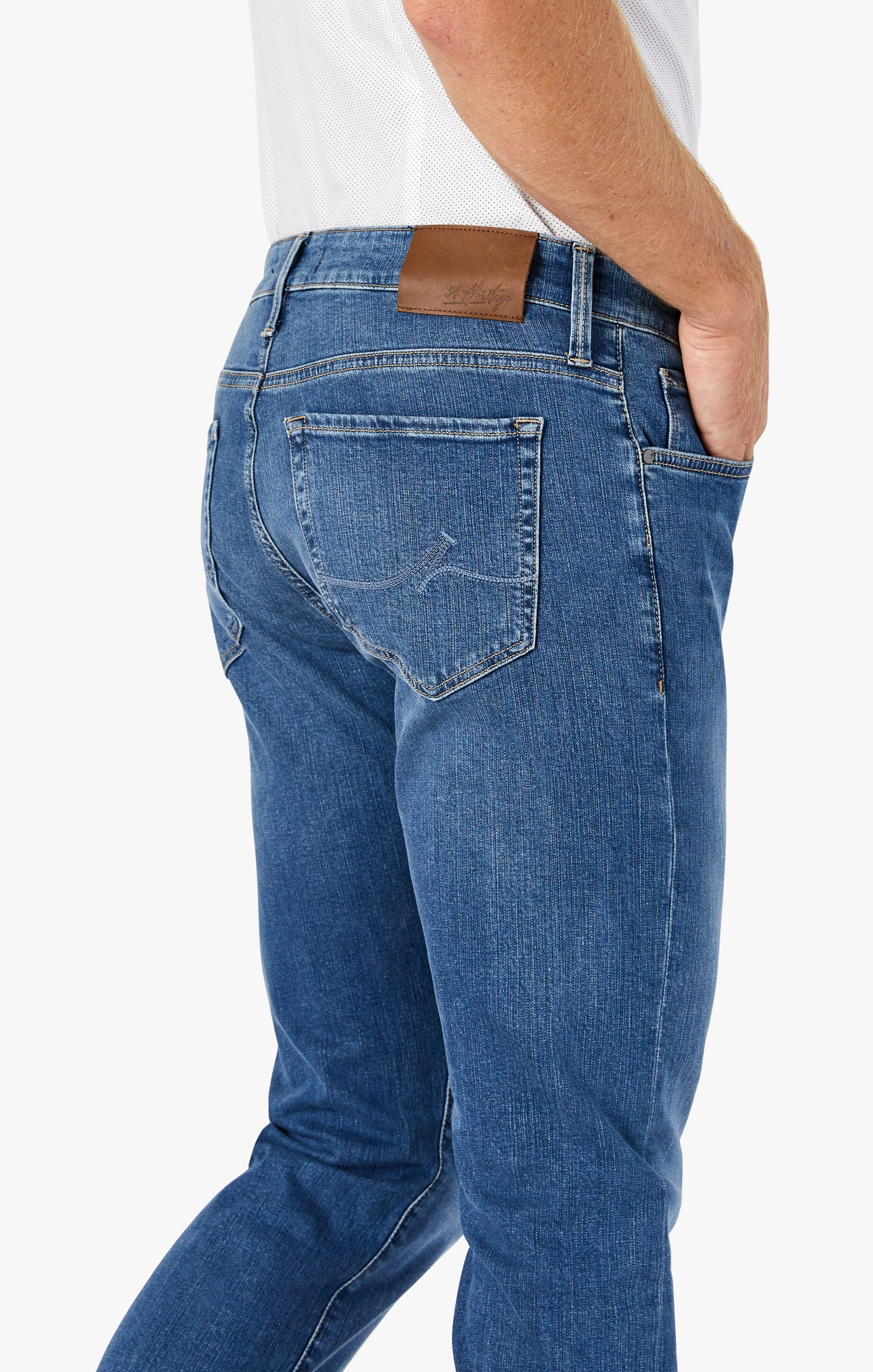 Courage Straight Leg Jeans In Mid Soft Image 4