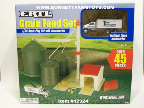 Item #12924 Ertl Grain Feed Set