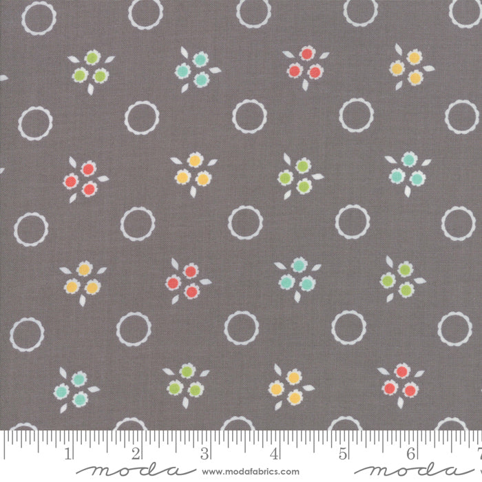 Moda Flower Mill 29033 13 F6263 - The Fabric Bee