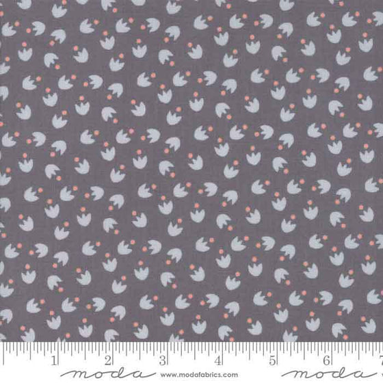 Moda Bloomsbury 47516 19 F6284 - The Fabric Bee