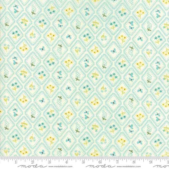 Aqua floral fabric, Cotton patchwork fabric, Cotton quilting material
