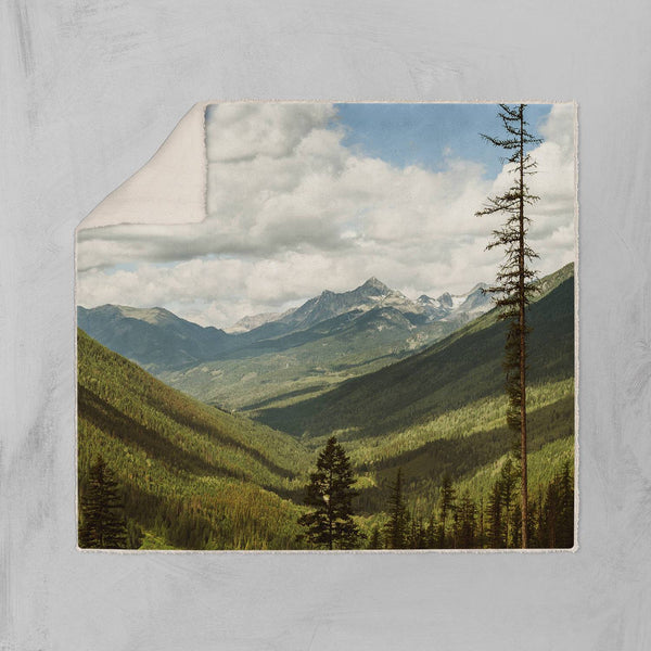 Canada Rocky Mountains Throw Blanket - Sherpa Lost in Nature