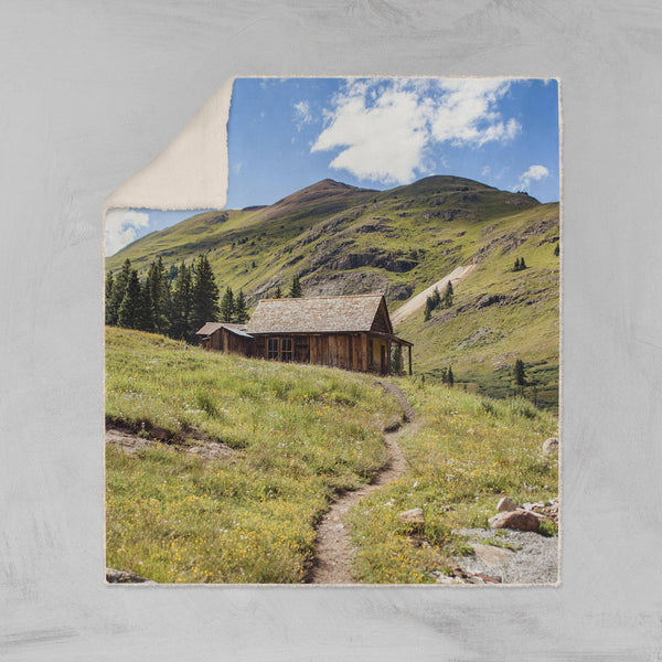Colorado Rustic Cabin Sherpa Blanket Lost in Nature