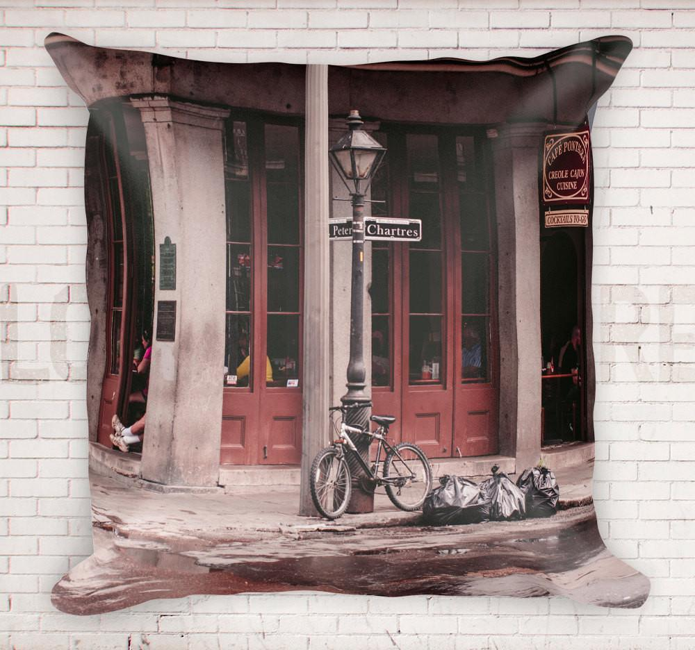 "French Quarter, New Orleans 18"" Throw Pillow Lost In Nature"