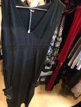 Black gown no sleeve