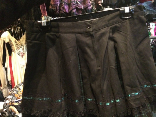 Skirt black and green