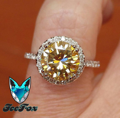 Moissanite - Canary Moissanite 8mm 2.2ct Round in a 14K White Gold Diamond Halo Setting - In The IceBox