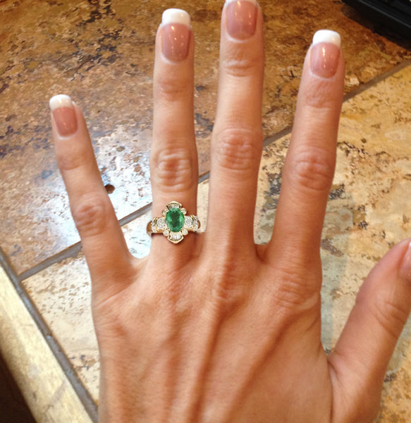 Emerald  Engagement Ring 6 x 8mm, 1.2ct Oval Cut Emerald set in a 14k Yellow Gold Diamond Setting