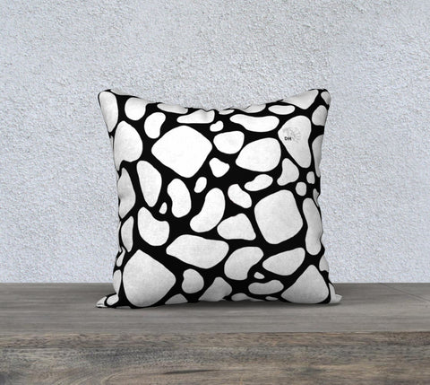 "Black Giraffe Print 18""x 18"" Pillow Case"