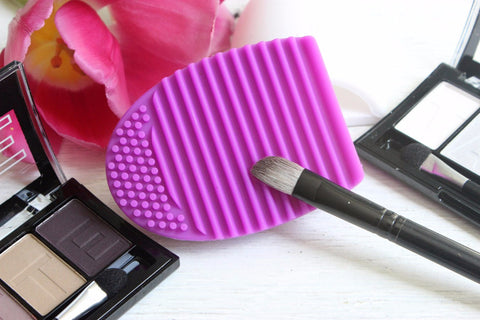 Make Up Brush Cleaner ..................-2 Girls 1 Shop