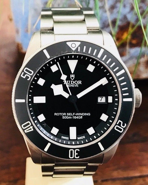 Tudor Pelagos 2012 with Box & Papers - HallandLaddco.com