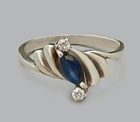 ESTATE Vintage Sterling Blue SAPPHIRE Gemstone Ring - Years After