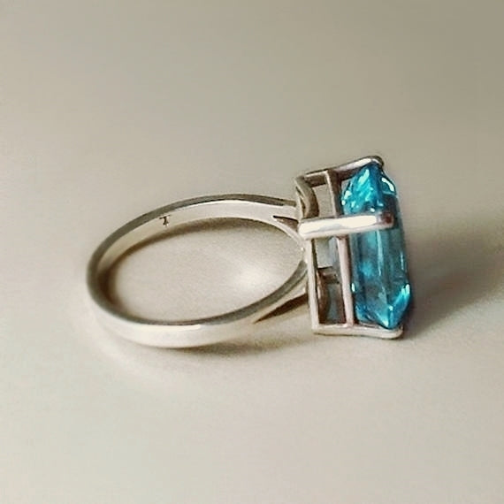 Vintage Emerald-Cut Blue TOPAZ Solitaire RING 4CT Cubic Zirconia - Years After