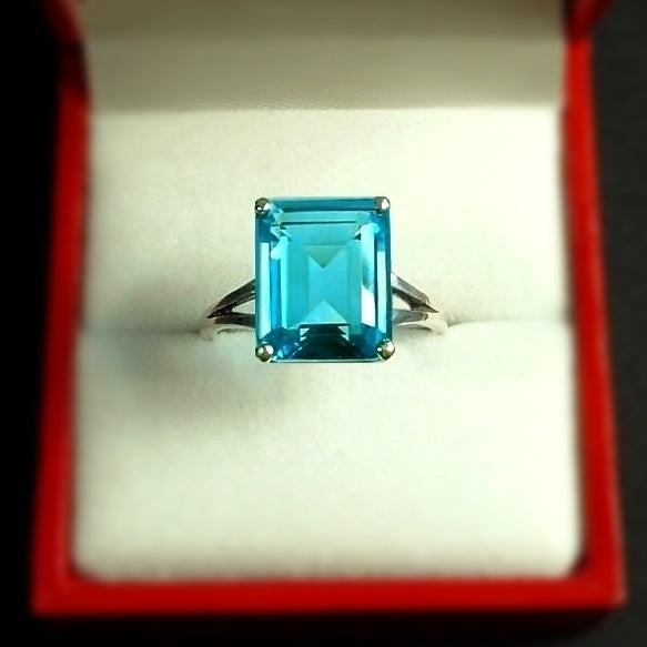 Vintage Emerald-Cut Blue TOPAZ Solitaire RING 4CT Cubic Zirconia