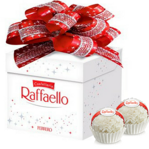 Raffaello coconut wafer with a whole almond in the middle 70 g