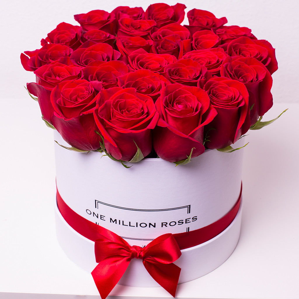 Classic Collection - Small Box - Rose Rosse - Scatola Bianca – One Million Roses