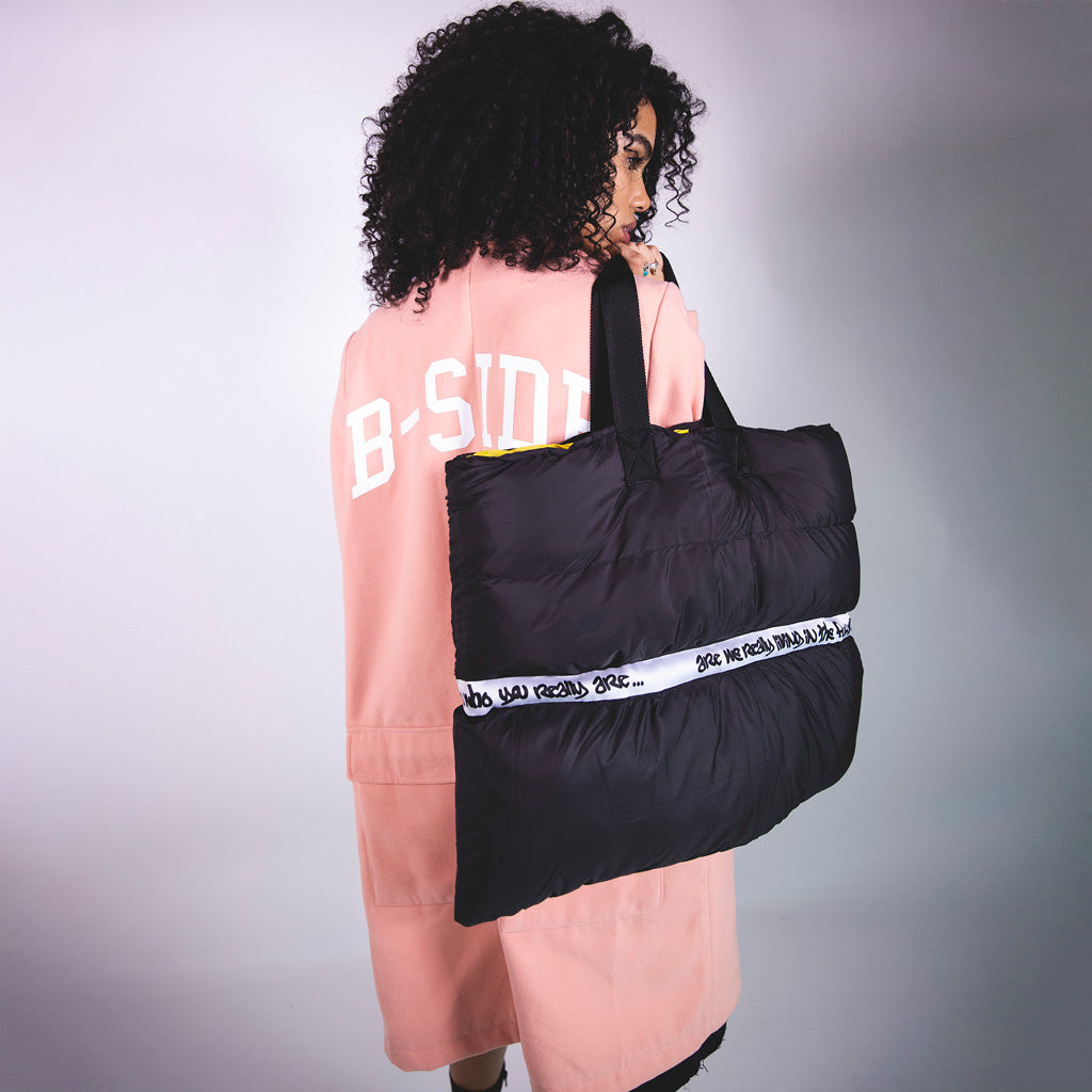 QUILTED PUFFER TOTE BAG | B-sidebywale