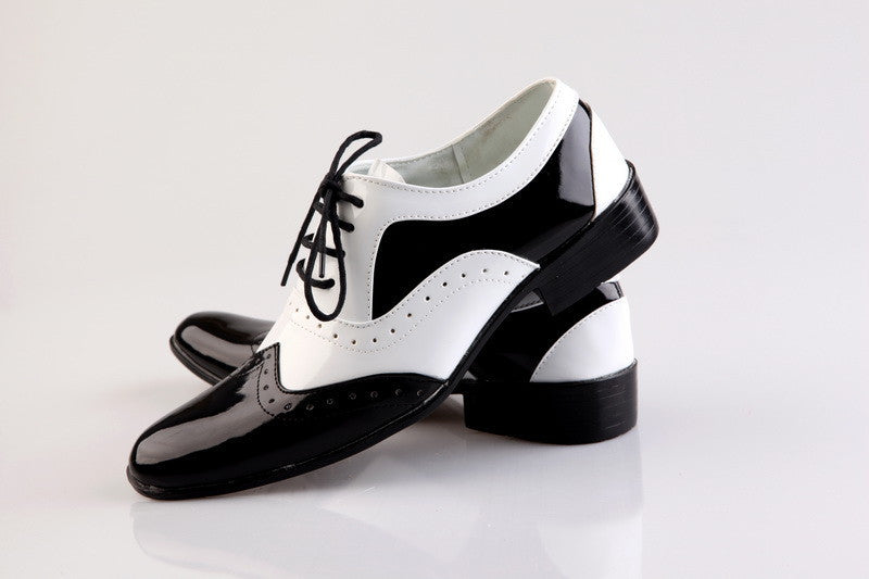 Black & White Brogue Formal Shoes - Oeuvre by Qamrosh