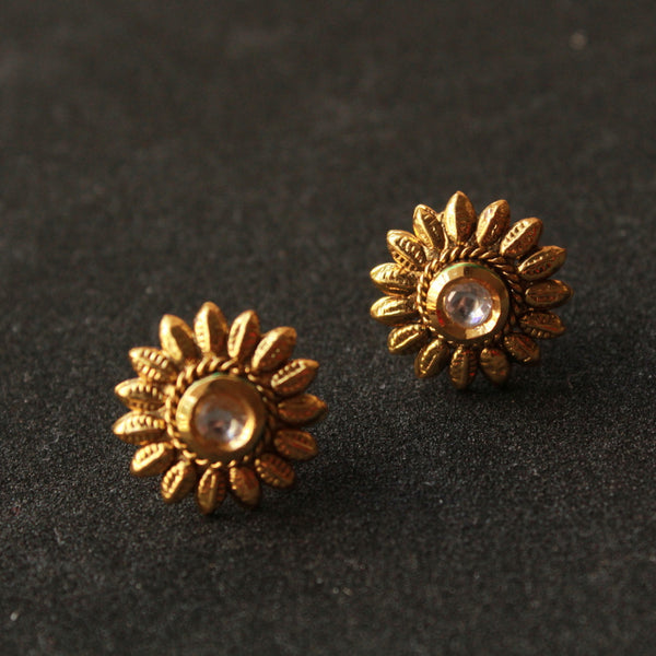 Flower Studs with Kundan