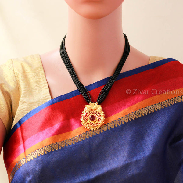 Jali Pendant Handcrafted mangalsutra