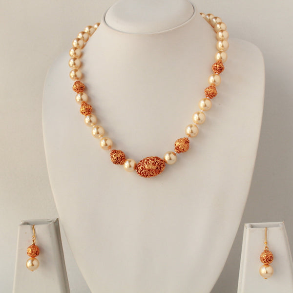 Handcrafted Pearl Beads Necklace