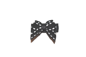 Black White Stitching Baby Snap Clip