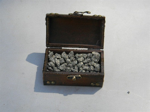 Favor - Wooden Treasure Chest filled with Pyrite (Fool's Gold) - dinosaursrocksuperstore