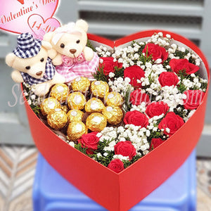 special-flowers-and-chocolate-valentine
