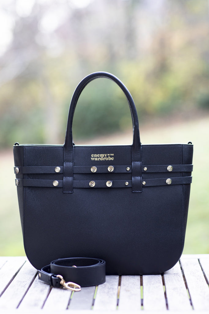 "The Moods Bag ""Super Agent"" - black - Fine gold color to complete you for the day."