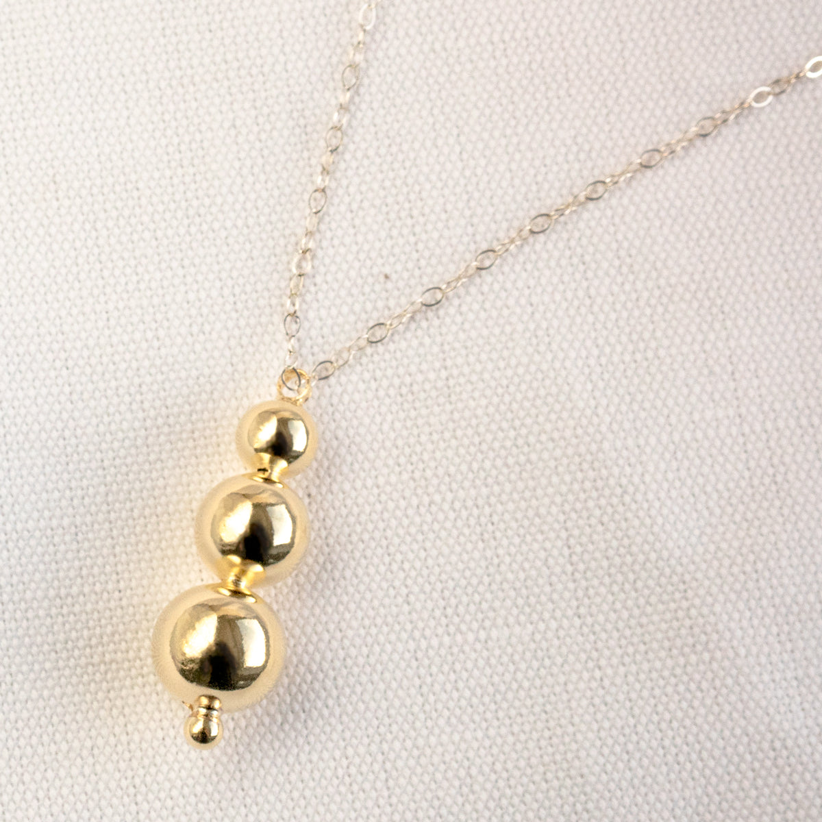 Young Frankk - Triple Orb Necklace Gold