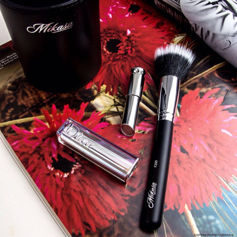 Mikaka Beauty, makeup brushes, and beauty products