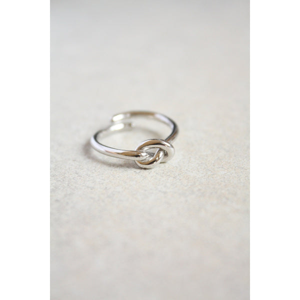 Sterling Silver Love Knot Ring - Susy de Marchi Jewelry