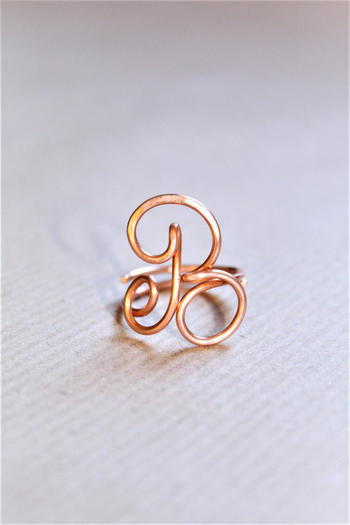 Initial ring, letter A B F ring, personalized wire initial ring, wire ring, personalized ring, adjustable ring, wire letters, letter ring - Susy de Marchi Jewelry