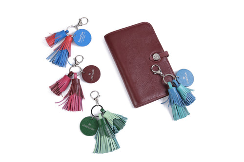 BE LEGENDARY - Keychain and Handbag Charm