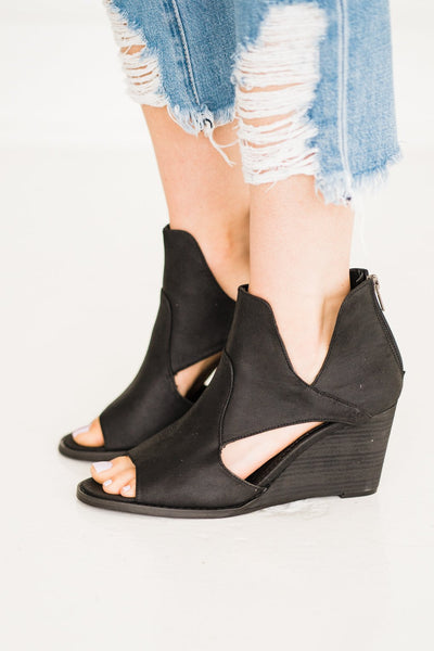 Very G Hollyridge Wedge in Black