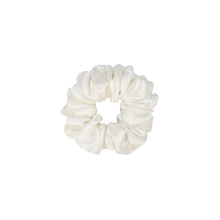 Load image into Gallery viewer, Cassius and Pearl Silk Jacquard Scrunchie Set