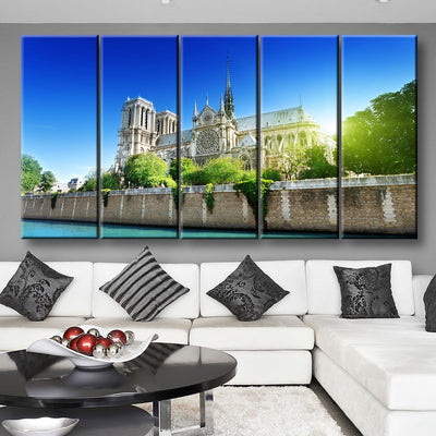 Notre Dame Church - Amazing Canvas Prints