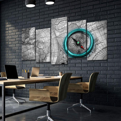 Compass On Old World Map V3 - Amazing Canvas Prints