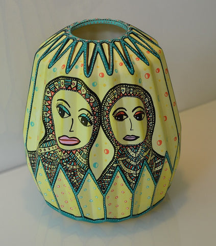 VASE: Tosomhed/ Being Two Alone Together (Solgt/Privateje)
