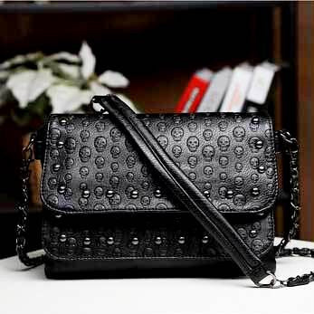 SKULL EMBOSSED WOMEN SHOULDER BAG-BLACK