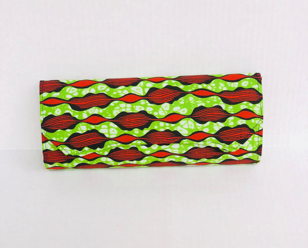 Clutch Large Green/Red - Africa On My Back Backpack