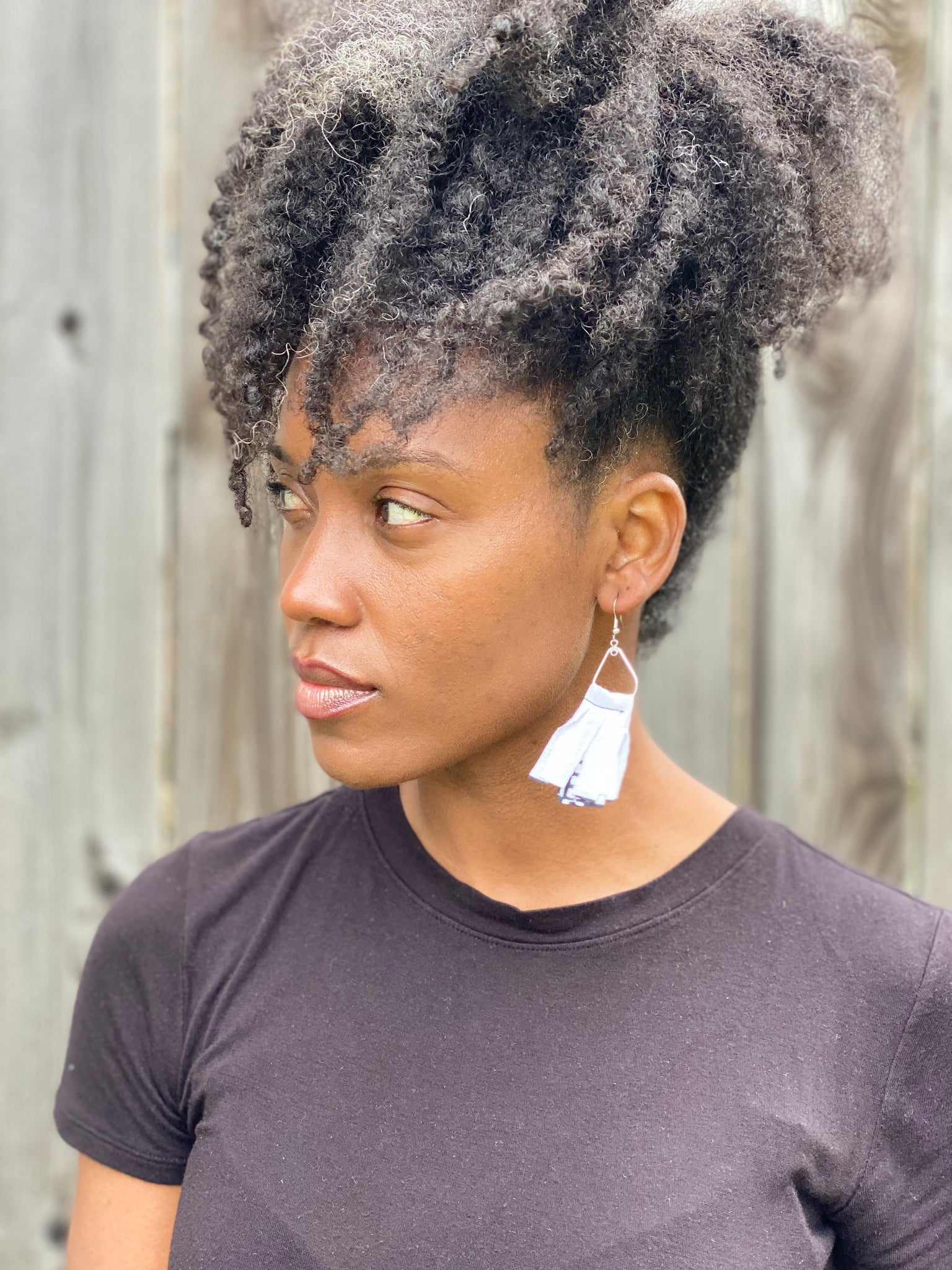 White & Black Chic Short Earrings