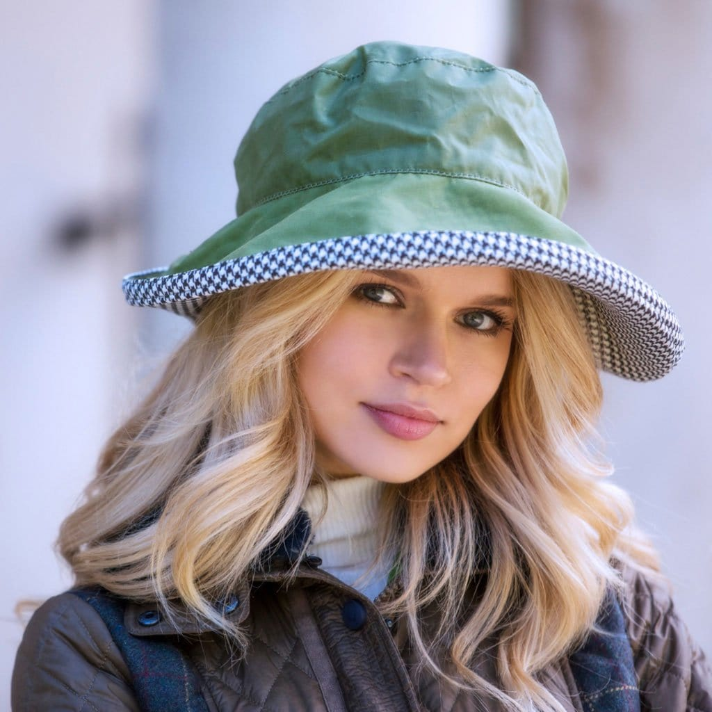 Bradleys Tannery June Green Wax Hat With Houndstooth Lining On Woman