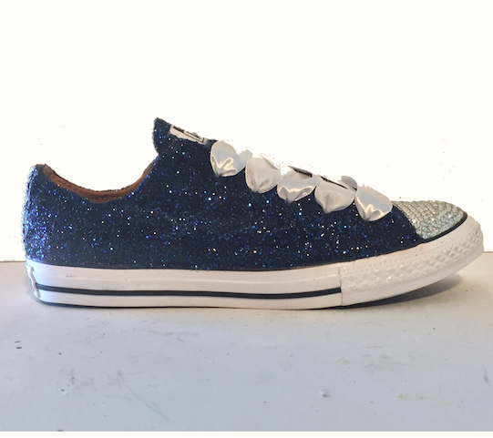 Adding Swarovski crystals to Converse boots or trainers is a great way to add some sparkle to your Christmas presents this year. A step by step tutorial guiding you through the process of crystallizing converse boots with Swarovski crystals.
