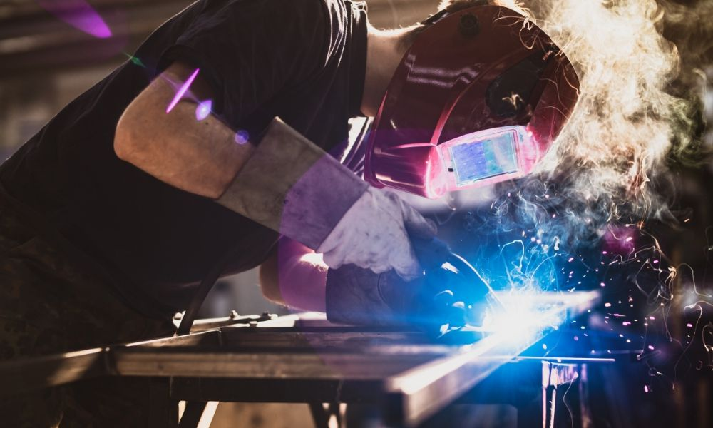 The Essentials of Selecting the Right MIG Welder