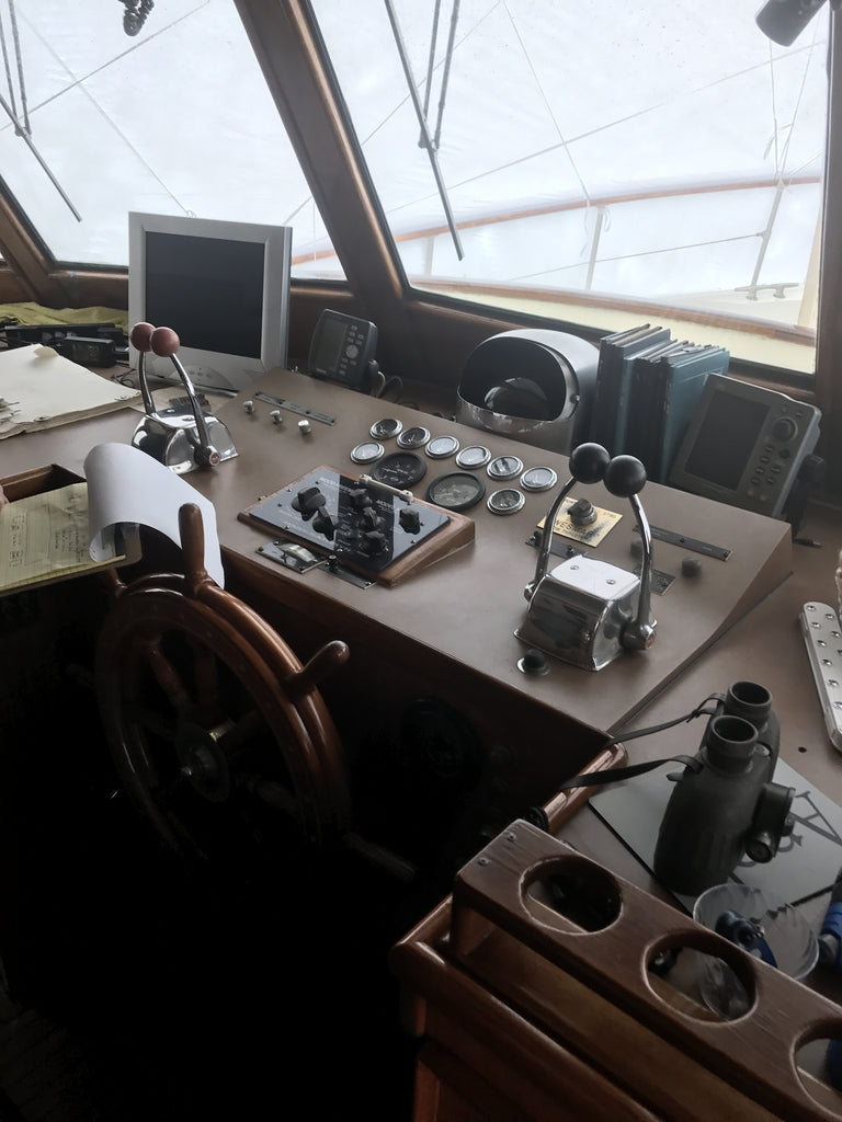 58 Hatteras Lrc Helm Refit Marine Electric Systems